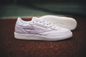 Sneakerși pentru femei Reebok Club C 85 On The Court BD4463